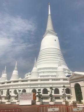The beautiful stupa, chedi or pagoda at Wat Prayoon