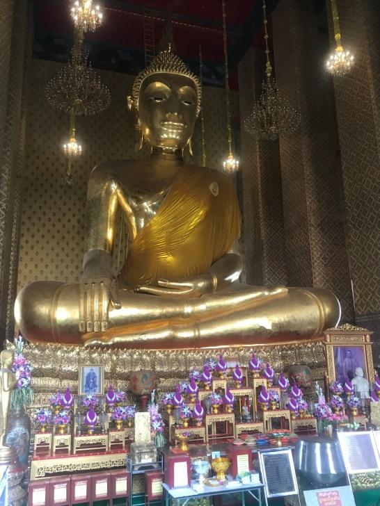 Wat Kalayanamit temple in Bangkok