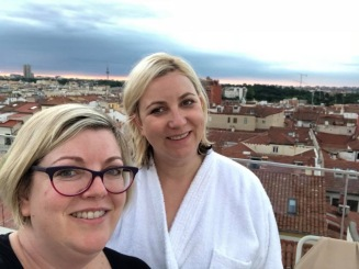 Sharon and me do a sunrise. Madrid 2018